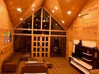 """""""OF WOODS"""" Villa at Pawna ,Lonavala - Khandala vacation rentals"""