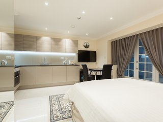 Stunning Studio Flat in Marylebone - London vacation rentals