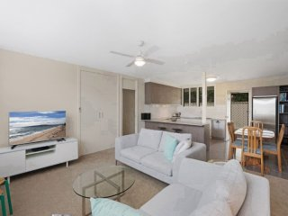 Adorable 2 bedroom House in Umina Beach - Umina Beach vacation rentals