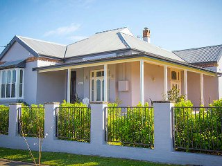 3 bedroom Cottage with A/C in Cessnock - Cessnock vacation rentals