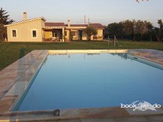 Bright 5 bedroom Villa in Borgo Carige with Internet Access - Borgo Carige vacation rentals