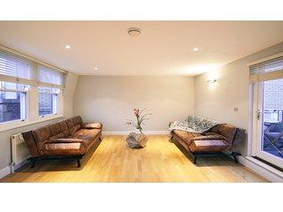 Superb Holborn Penthouse - London vacation rentals