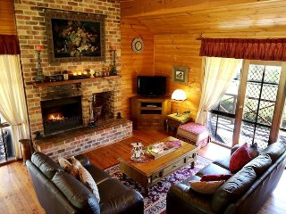 Nice Cottage with Deck and A/C - Pokolbin vacation rentals