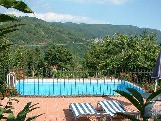 Villa in Tuscany : Lucca & Pisa Il Ciocco - Lanciole vacation rentals