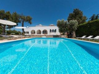 171 Luxury Villa with Pool and Tennis in S.M. di Leuca - Gagliano del Capo vacation rentals