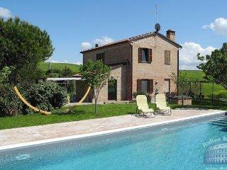 Villa in Tuscany : Siena / S. Gimignano Area Casa Castello - Montisi vacation rentals