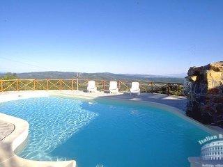 Villa in Tuscany : Siena / S. Gimignano Area Villa Calma - Montebenichi vacation rentals