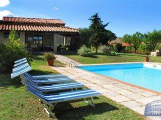 Villa in Tuscany : Siena / S. Gimignano Area Villa Tutti Frutti - Pomarance vacation rentals