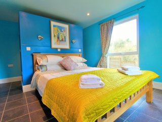 Treetops: Stunning 5 bed house nestled in a magical setting - Fowey vacation rentals
