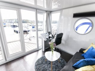 Houseboat Finland:Houseboat Standard 24 m2/ 6 pers - Jyväskylä vacation rentals