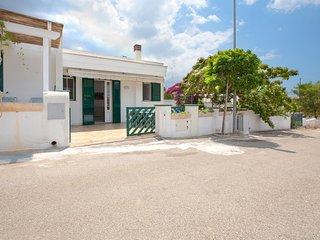 502 House with Garden near the Sea in Torre Vado - Torre Vado vacation rentals