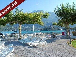 BAIE DES VOILES - PIEDS DANS L´EAU. Vue Lac et Mon - Duingt vacation rentals