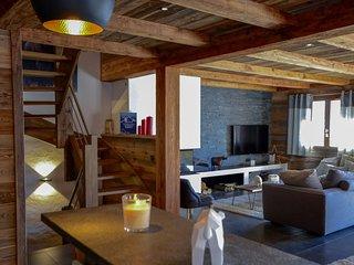 LE CHALET DES CIMES Contemporary Mountain Style - La Clusaz vacation rentals