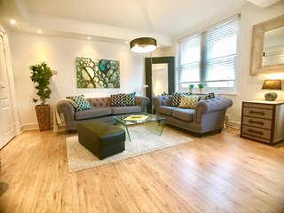 NEW! OXFORD STREET!*BRIGHT*DESIGN*deLUXE - London vacation rentals