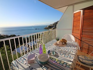 Nice Condo with Microwave and Satellite Or Cable TV - Roses vacation rentals