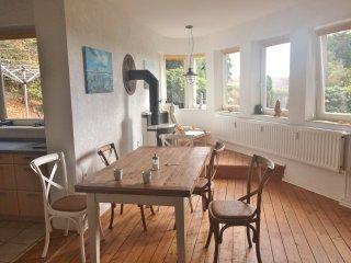 """""""Bernhard Hoetger Wohnung"""" im Willi Ohler Haus, dem historischen Künstlerhaus - Worpswede vacation rentals"""