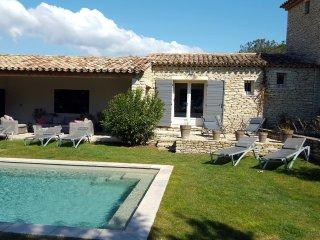 Les Terrasses Gordes, BnB, room Jade, WiFi, heated pool - Gordes vacation rentals