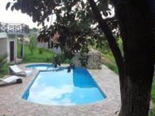 Recanto dos Esquilos - chácara para temporada e eventos com vários ambientes. - Guararema vacation rentals