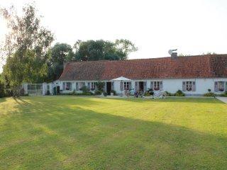 Les Portes des Froises -gîte 6 CHAMBRES 5 SDB - Saint-Quentin-en-Tourmont vacation rentals