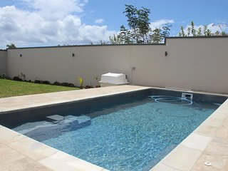 NEW VILLA, 6 bedrms, 4 toilts,4 bathrms, 2 lvng rms, 2 kitchens,terrace,pool+CAR - Flic En Flac vacation rentals