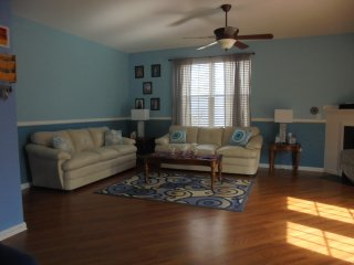 Spacious 4 bedroom Goose Creek House with Deck - Goose Creek vacation rentals