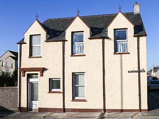 ST. DUTHUS HOUSE, traditional Victorian house, Sky TV, parking, in Stornoway - Stornoway vacation rentals