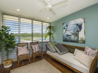 Bright Condo with A/C and Television - Nelly Bay vacation rentals