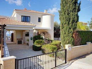 Villa Omorphi Thea villa-omorphi-thea - Cypress vacation rentals