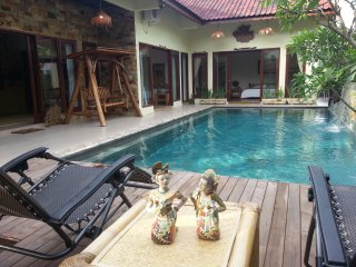 Beautiful Villa in Batam with Private Pool, 3 Bed Rooms,  Koi Pond & A Hut - Sekupang vacation rentals
