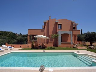 Cozy Villa in Corfu Town with A/C, sleeps 8 - Corfu Town vacation rentals