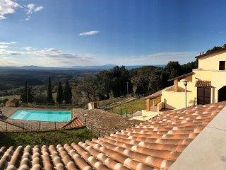 Nice Condo with Deck and Television - Riparbella vacation rentals