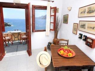 Amoudi sea view Apartment - Oia vacation rentals
