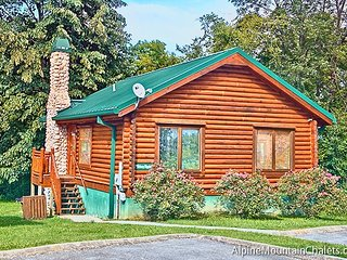 2 bedroom Cabin with Deck in Pigeon Forge - Pigeon Forge vacation rentals