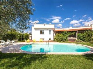 750 Villa with Pool in Castellana Grotte Alberobello - Castellana Grotte vacation rentals