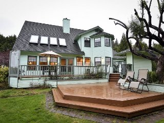 New! 4 Bedroom Estate, 2 Master Suites,Spacious Grounds, Private Tennis Court - McKinleyville vacation rentals