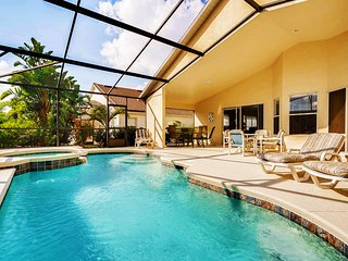 Renovated 4 Bedroom Villa With Private South Facing Pool & Spa 10 Min To Disney - Davenport vacation rentals