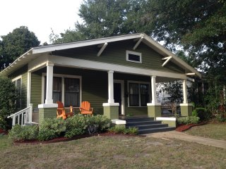 Perfect Cottage with Deck and Internet Access - Gulfport vacation rentals