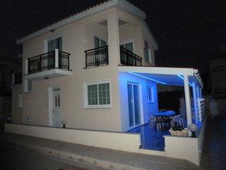 Sea View 4 bedroom Villa, Free Wifi - Oroklini vacation rentals