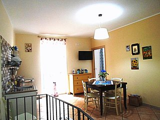 Lovely Apartment in Licata with Internet Access, sleeps 5 - Licata vacation rentals