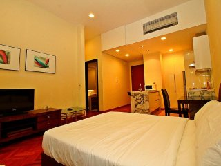 II) LUXURY FAMILY SUITES_STRAITS QUAY MARINA MALL - Tanjung Tokong vacation rentals
