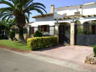 Villa with private pool, only 50 m from the sea - Sa Coma vacation rentals