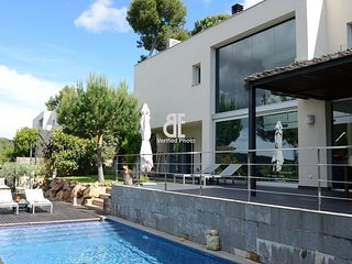 TERRA ALTA is a very private, modern, designer villa with high quality finish - Tamariu vacation rentals