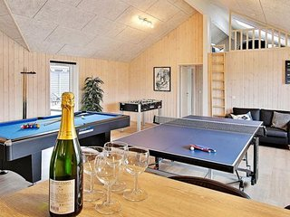 Nice House with Shared Outdoor Pool and Television - Kappeln vacation rentals