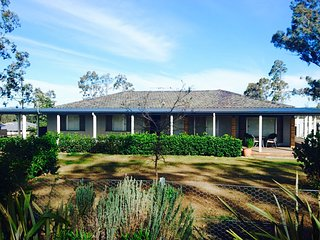 Molly's On Mount View - Gateway to Pokolbin Wineries - Mount View vacation rentals