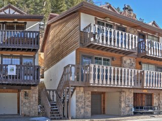 NEW! Awesome 2BR Flagg Mtn #6 Townhome w/Views! - Red River vacation rentals