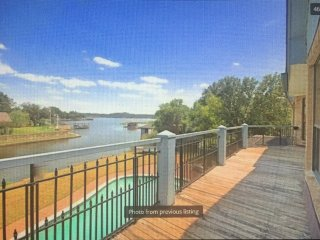 Granbury Lakefront Getaway for Large or Multiple Families - Granbury vacation rentals
