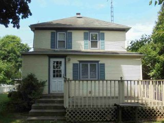 Aunt Jane's Yellow House downtown Put in Bay lodging in the Heart of the Action! - Put in Bay vacation rentals