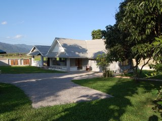 A Newly Refurbished Bungalow with lovely views over paddy fields and mountains - Chiang Rai vacation rentals