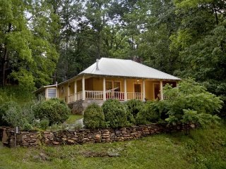 Whispering Creek Cottage in Little Switzerland - Little Switzerland vacation rentals