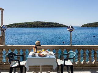 House Rašica -  One Bedroom Apartment with Terrace and Sea view (1) - Molunat vacation rentals